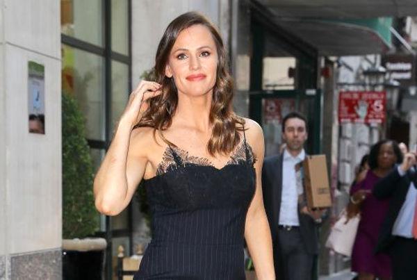 Jennifer Garner va reveni pe micile ecrane intr-un serial de comedie difuzat de HBO